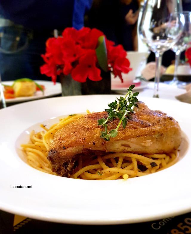 Chicken Confit Aglio Olio - RM 26