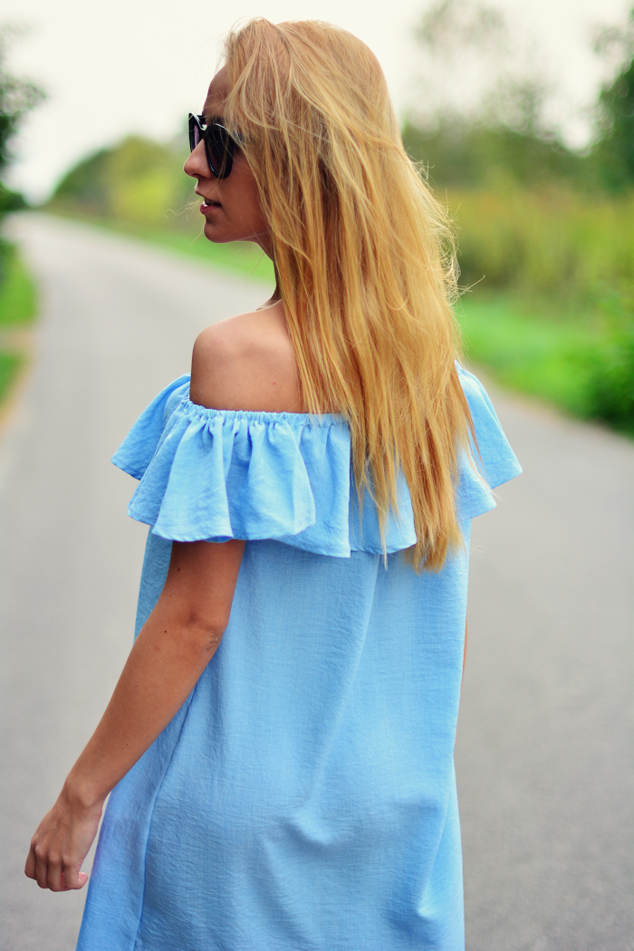 http://furioussquirrel.blogspot.com/2016/09/blue-dress.html