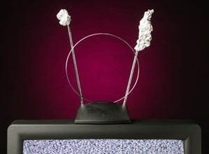 Rabbit ears TV antenna with tin foil