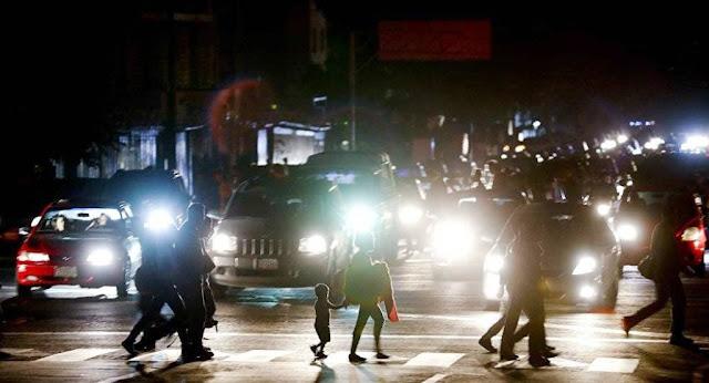 Οι ΗΠΑ Διεξάγουν Δόλιο Πόλεμο στην Βενεζουέλα, Ελπίζοντας να Ανατρέψουν τον Μαδούρο Αμαχητί