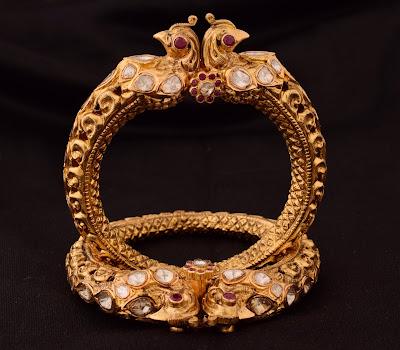 surana-jewellers-gold-bangle