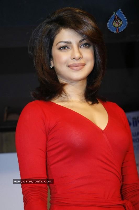 Priyanka Chopra Sexy Pictures-4223