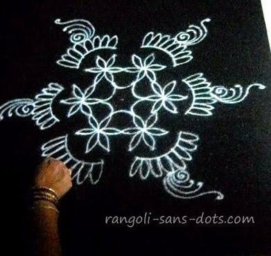 Holi-rangoli2.jpg