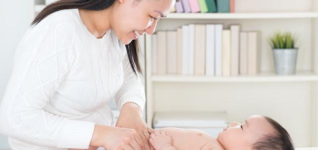 Popok Bayi Sekali Pakai vs Popok Kain, Mana yang Lebih Baik?