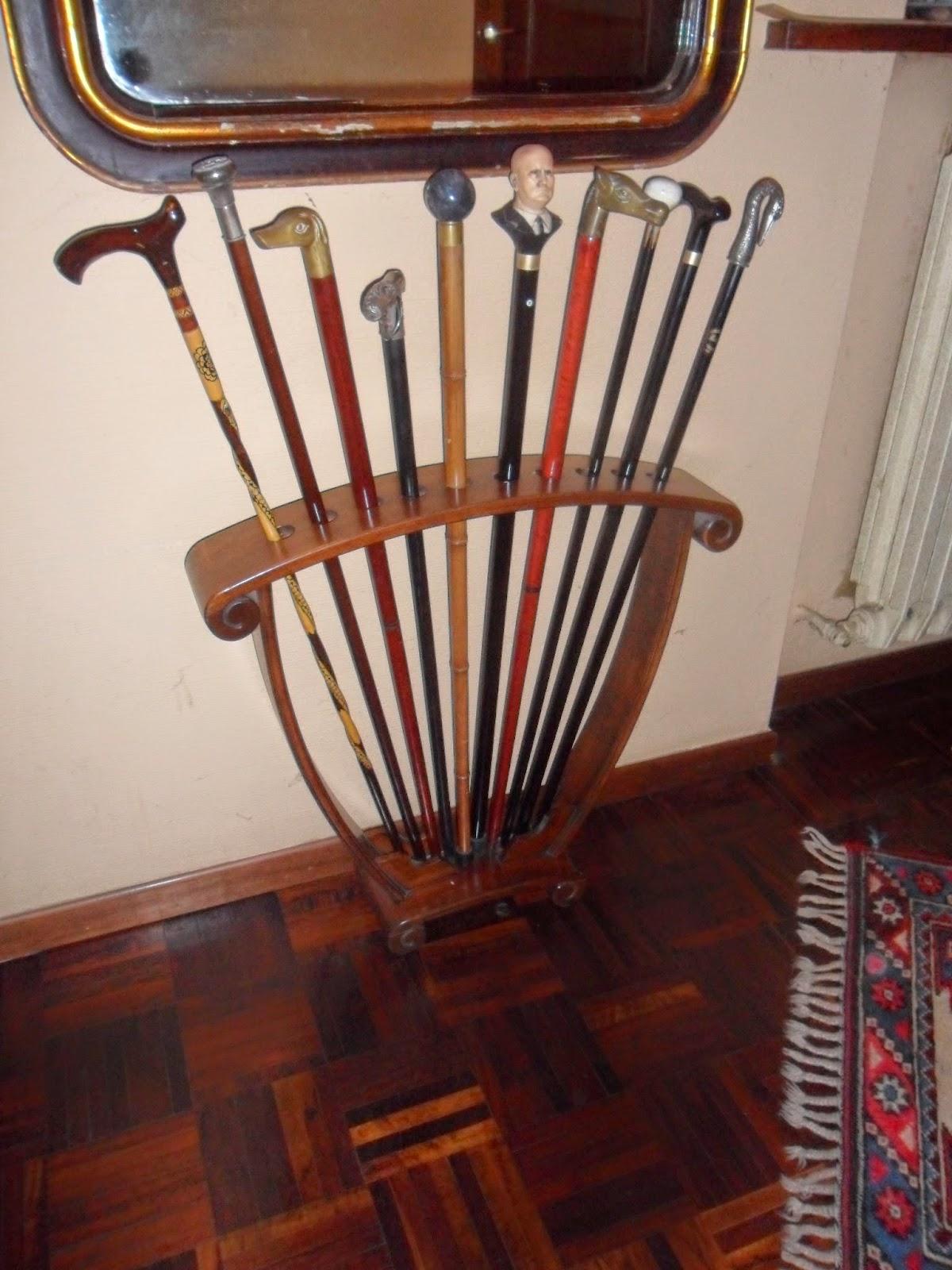 Ilclanmariapia il bastone da passeggio for Rastrelliera per canne da pesca