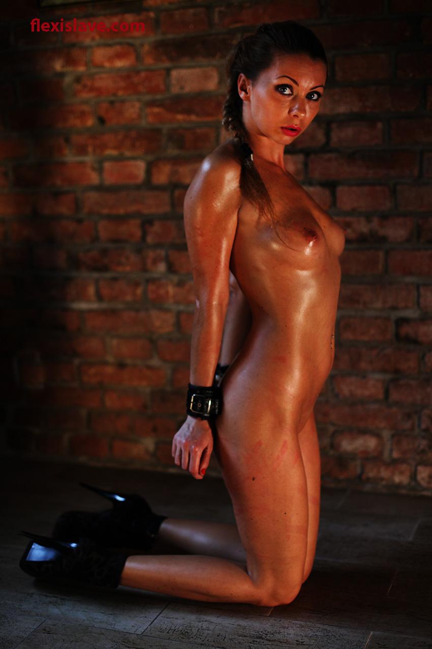 My Favourite Bdsm Models Skinny Bdsm Model Lea Tyron In -2115