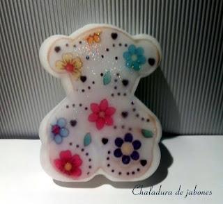 Jabón-natural-osita-modelo-sweet-glicerina-Chaladura-de-jabones