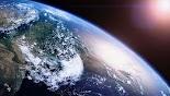 Ένα υπεριώδες τηλεσκόπιο τοποθετημένο στον ρωσικό δορυφόρο Lomonosov ανακάλυψε ένα φαινόμενο άγνωστο στην επιστήμη στην ατμόσφαιρα της γης....