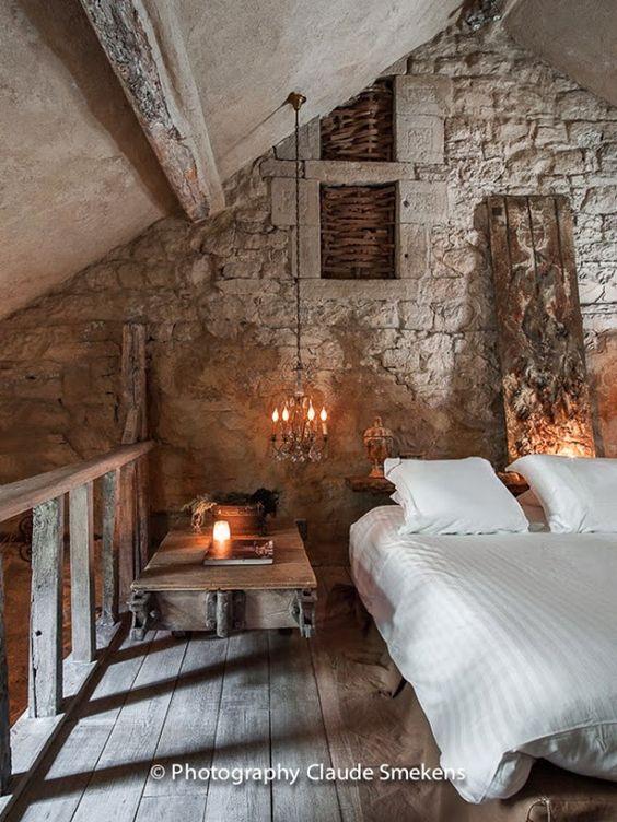 Boiserie c 15 meravigliose camere da letto con la pietra for Camere da letto arredate da architetti