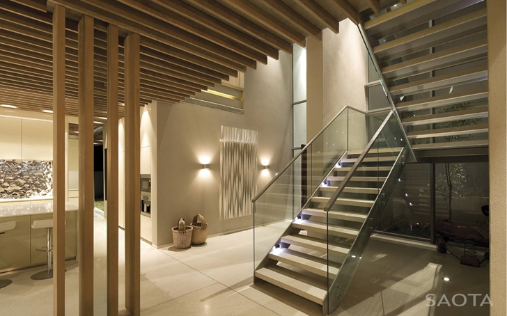 Stairs in African modern villa in Durban by SAOTA