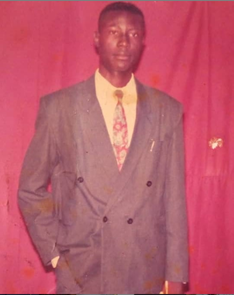 Throwback Photo : Guess Who This Politician Is?