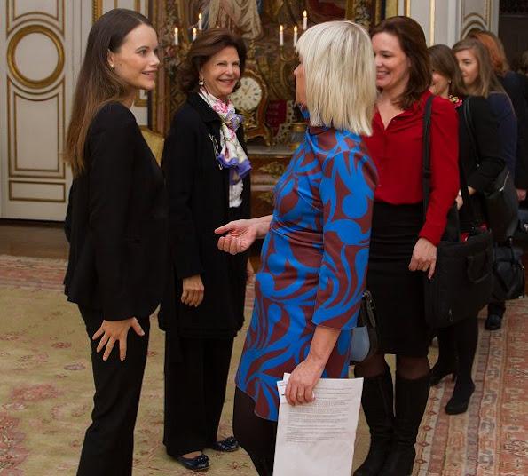 Princess Sofia Hellqvist Jewellry, Emma Israelsson Gold Diamond Necklace, Gant Betty Mid Boot, Queen Silvia