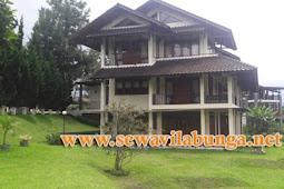 Villa Ada Aula Dan Halamanya Di Lembang