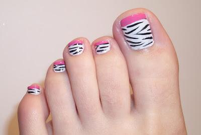 Decoraciones bonitas de uñas para pies