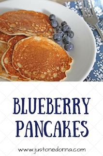 Blueberry pancakes with cinnamon and nutmeg