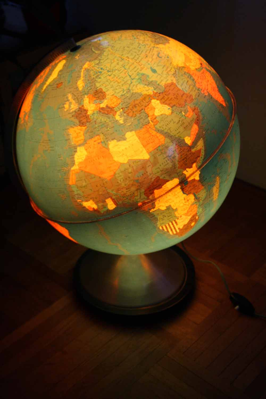 je chine pas en chine globe terrestre lumineux. Black Bedroom Furniture Sets. Home Design Ideas