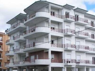 ΕΝΦΙΑ: Τι αλλάζει για ένα διαμέρισμα 80 τετραγωνικών (παράδειγμα)