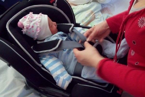 wyjście ze szpitala - fotelik klippan kiss 2 i noworodek