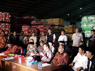 Pernyataan Resmi Mentan Amran Pasca Penggerbekan Perusahaan Penimbun Beras Di Bekasi
