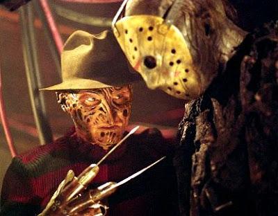 Foto de Freddy Krueger con su garras y Jason Voorhees con su máscara