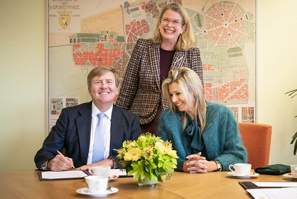 Queen Maxima wore Gucci green silk shirt and Natan coat. Crown Princess Amalia, Princess Alexia and Princess Ariane