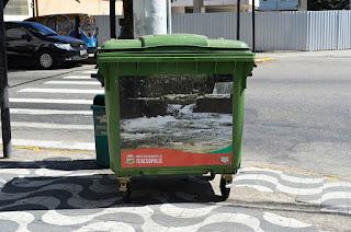 Prefeitura instala 20 novos coletores de lixo em pontos de grande circulação