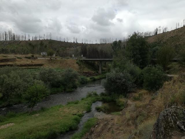 Ponte sobre o Rio Alva