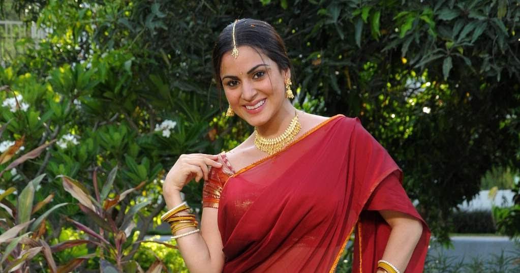 Actress Shraddha Arya Bikini Stills: Latest Images, Pics, Models, Fashion Gallery, Wallpapers