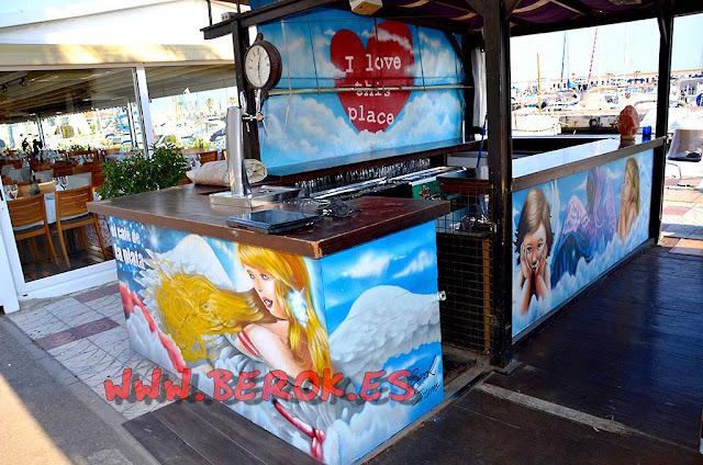 Graffitis El café de la plata, Sitges