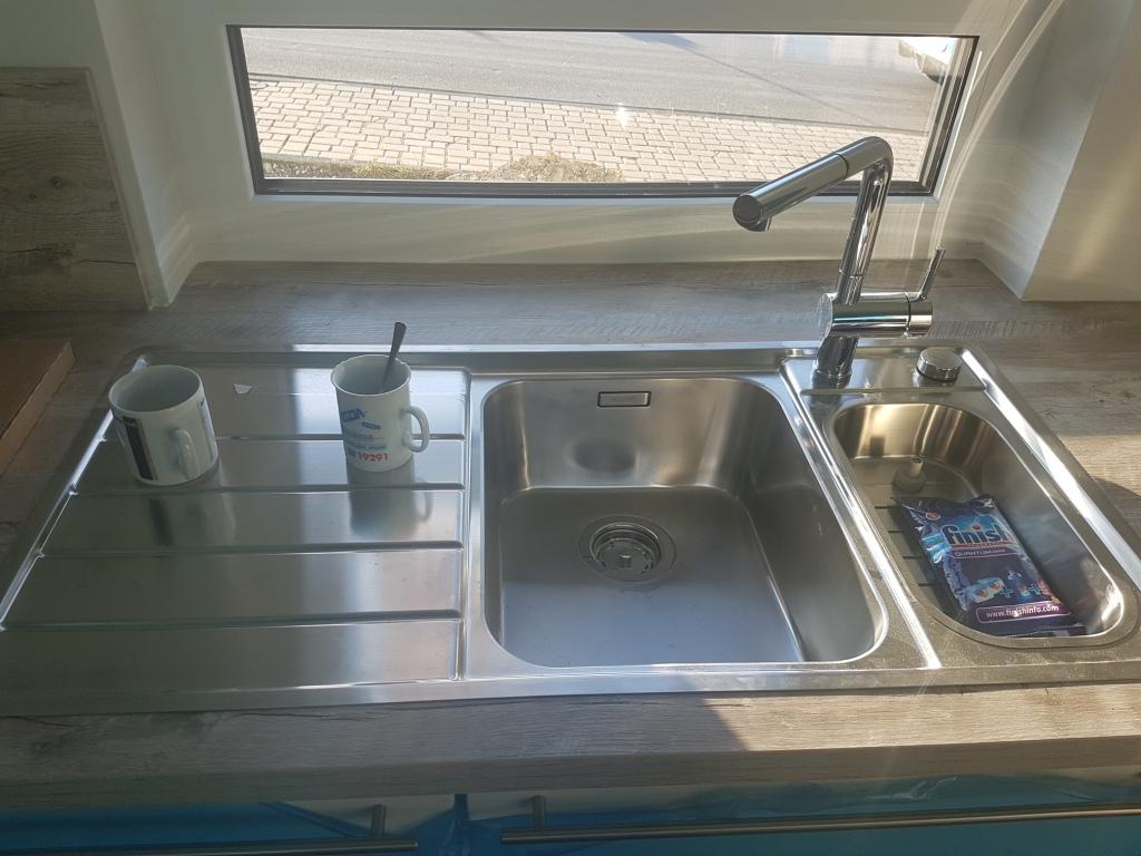 Outdoorküche Mit Spüle Lösen : Küche mit herd und spüle outdoor küche wasserburg oberschränke