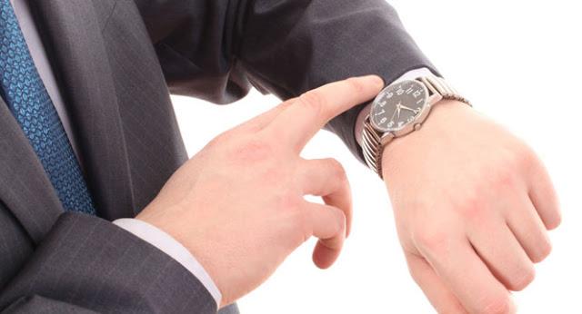 ما هو سر ارتداء الساعة في اليد اليسرى!