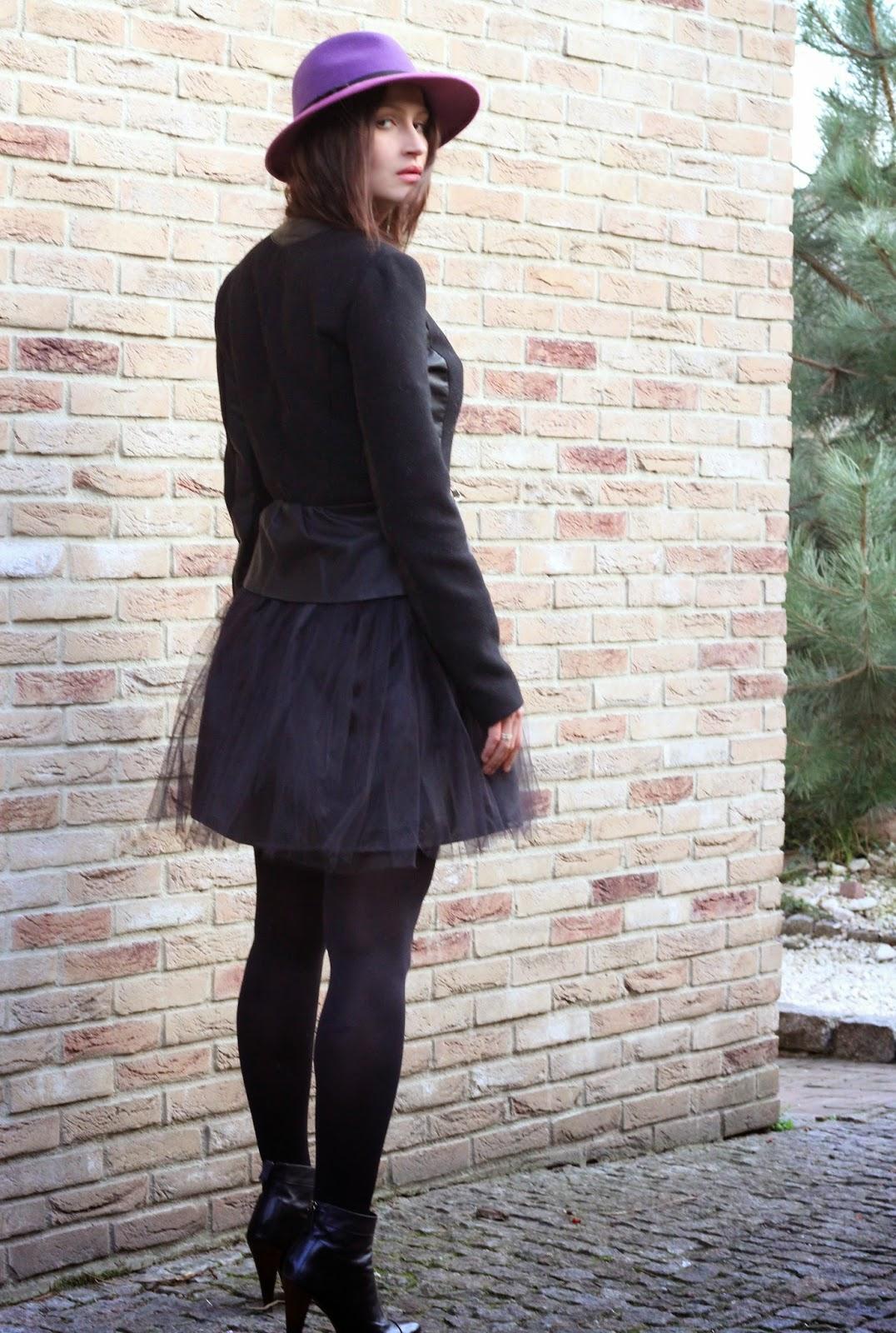 tiulowa spodnica, balerina skirt, jak nosic, spodnica z tiulu, kapelusz, streetstyle