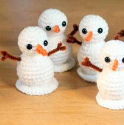 Crochet Snowmen – 19 more free patterns – Grandmother's Pattern Book | 400x398
