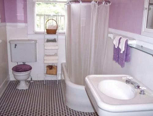 Model keramik kamar mandi kecil