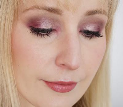 Anastasia Beverly Hills - Modern Renaissance Lidschattenpalette, Eyeshadow Palette, Red, Beerentöne, Rot, AMU, Augen, Make-Up, Look