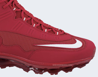 cheaper 6c340 fb607 The recent release of the Nike Air Max JR have taken an unofficial  formulaic approach of tonal colorways attributed to the teams that Ken  Griffey Jr. played ...