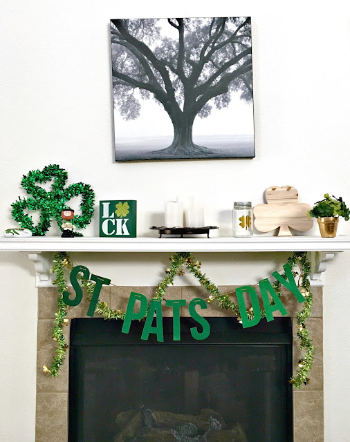 St Patricks Day Mantle, Mantle Makeover, Mantles on a Budget, St Patricks Day Decorations