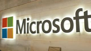 مايكروسوفت تنافس slack بتطبيق teams المجاني
