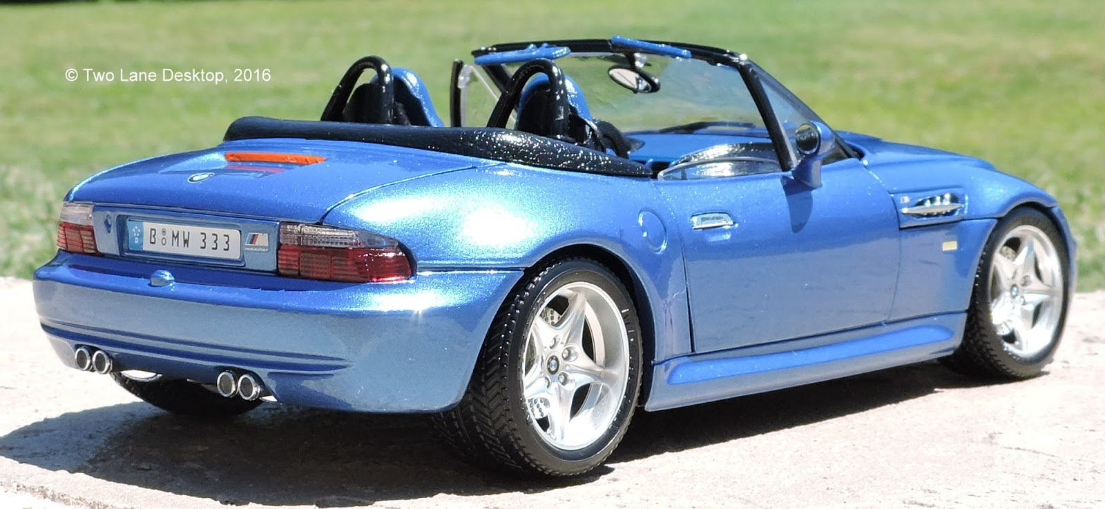 Two Lane Desktop Bburago 1 18 1996 Bmw Z3 M Roadster