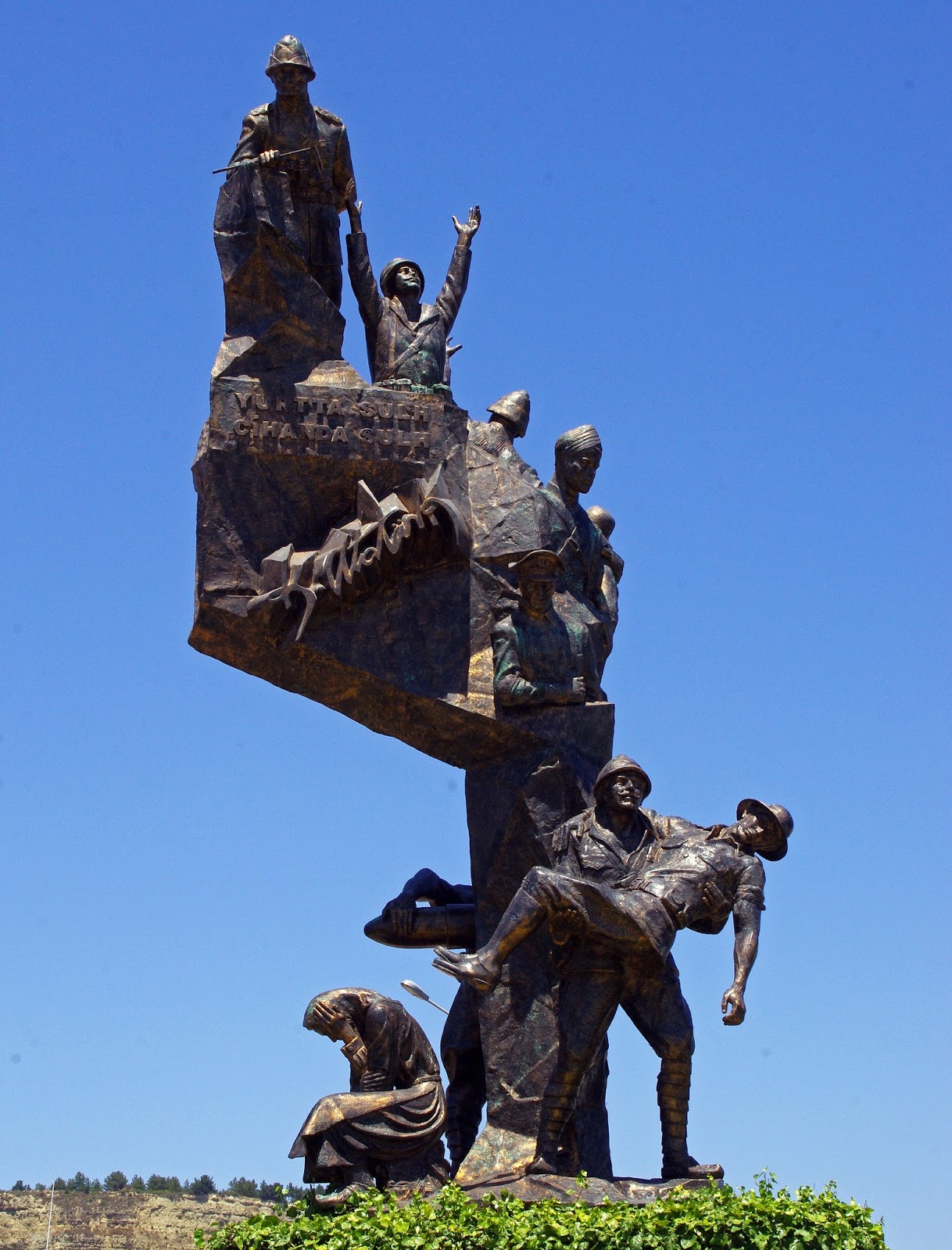 Gallipoli bronze memorial statue