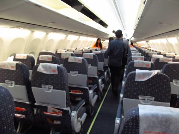 Avião faz pouso de emergência no RJ após problema em motor