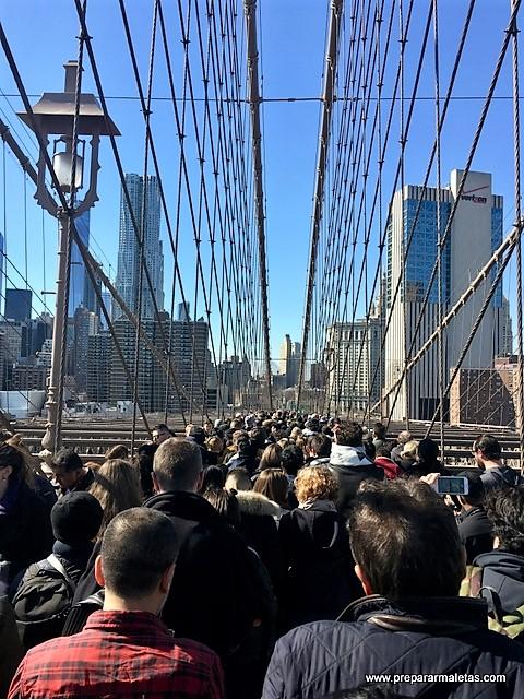 puente de brooklyn saturado