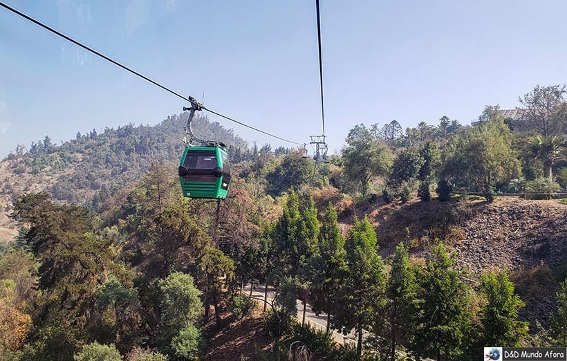 Passeio de teleférico no Cerro San Cristóbal em Santiago - Diário de Bordo Chile: 8 dias em Santiago e arredores