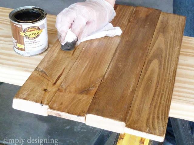 Fall Pumpkin Board (using @CabotStain 's new premium wood finish product!) | #fall #pumpkin #halloween #spon
