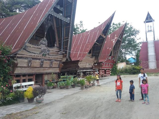 Tugu Lumban Sitio di Huta Sitio kecamatan Simanindo kabupaten Samosir.