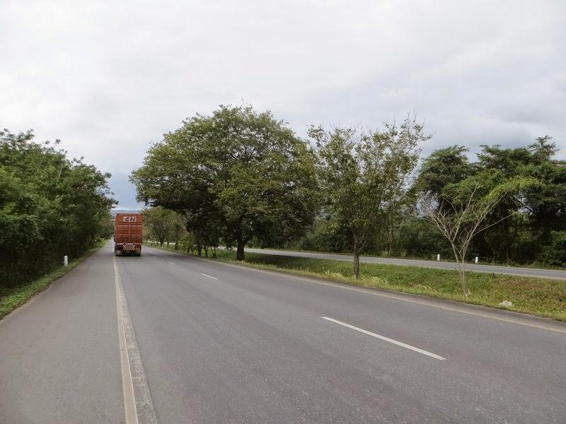 Грузовик на дороге Таиланд