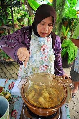 Hajjah Halimahs cooking class in Sabah