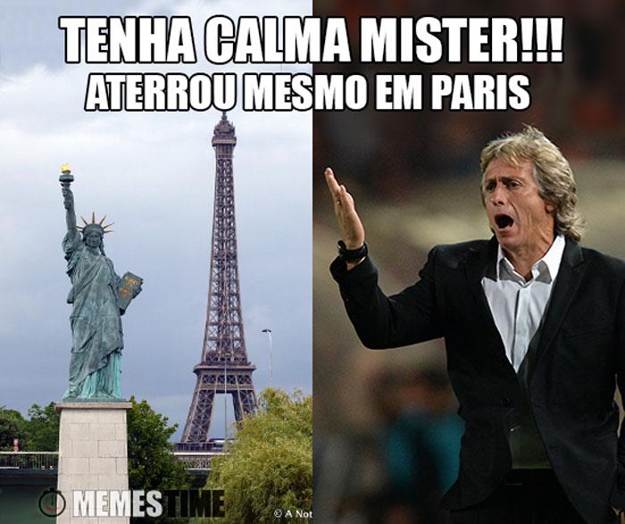 Meme Jorge Jesus em Paris perante a Torre Eiffel e a réplica da Estátua da Liberdade – Tenha calma Mister, aterrou mesmo em Paris