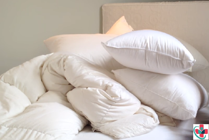 Why you should always wash your pillows and the various ways to clean them