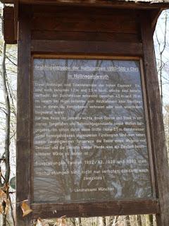 Infotafel Pullacher Hügelgräber mit dem Fürstengrab